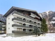 Apartmajska hiša z različnimi tipi apartmajev se nahaja 500 m od centra mesta in 1 km od smučišča in žičnice Schlossalmbahn. Postaja smučarskega avtobusa je 150 m oddaljena od hiše.