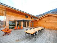 Moderna in prostorna počitniška hiša za 14 oseb, zgrajena 2014, se nahaja na robu mesta, 1 km od smučišča in žičnice Tracounet.
