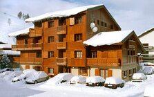 Rezidenca Alpina Lodge je zelo prijetna apartmajska hiša, ki ponuja namestitve v apartmajih od 4-10 oseb.